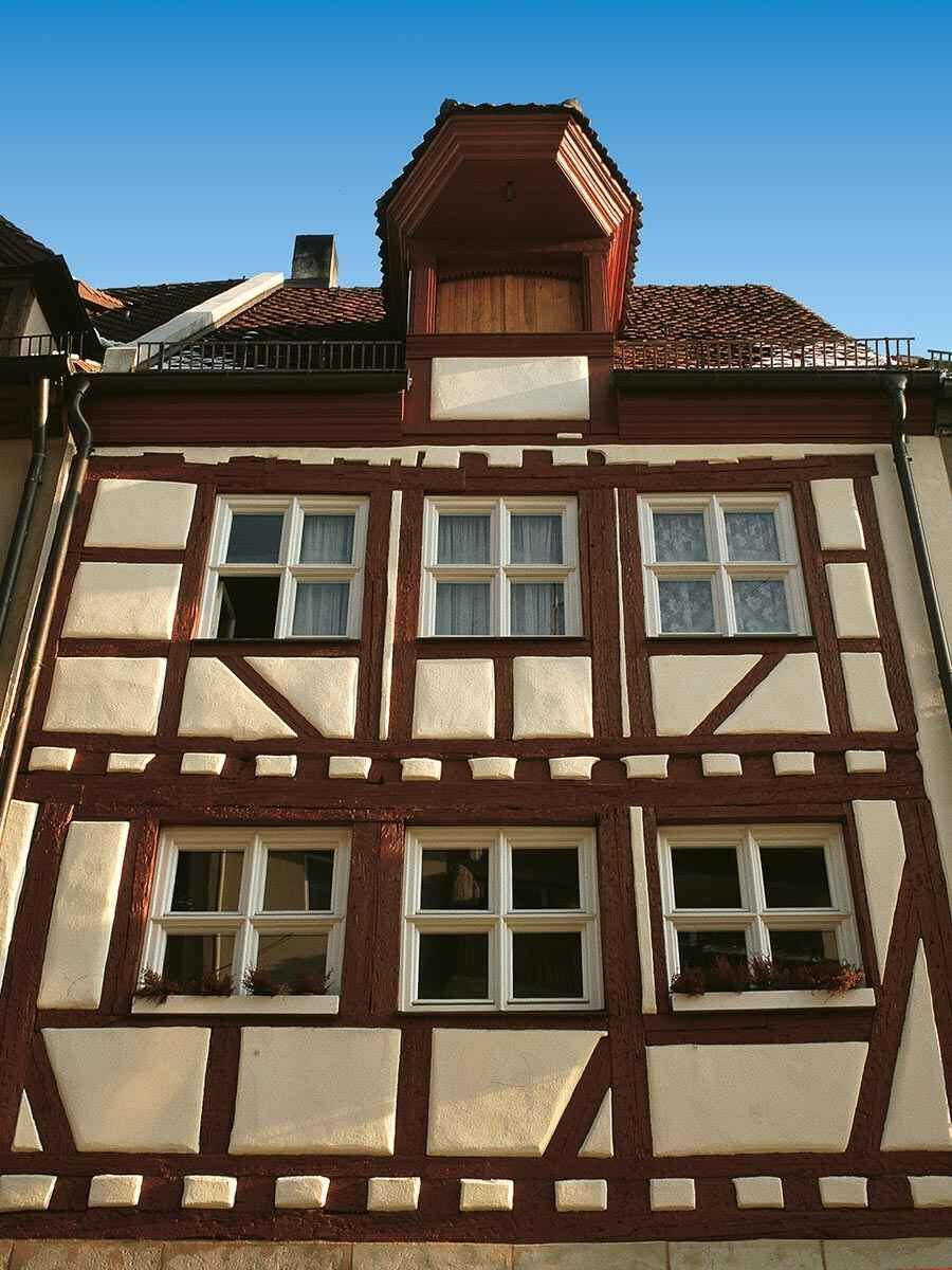 Roof, Oriel and Facade of the House at Geiersberg 17